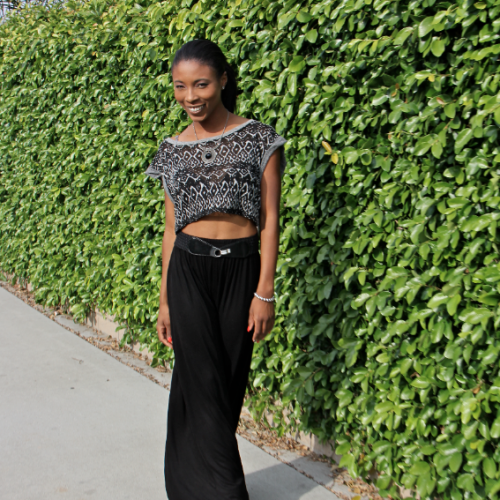Black & Grey: Crop Top x Black Skirt